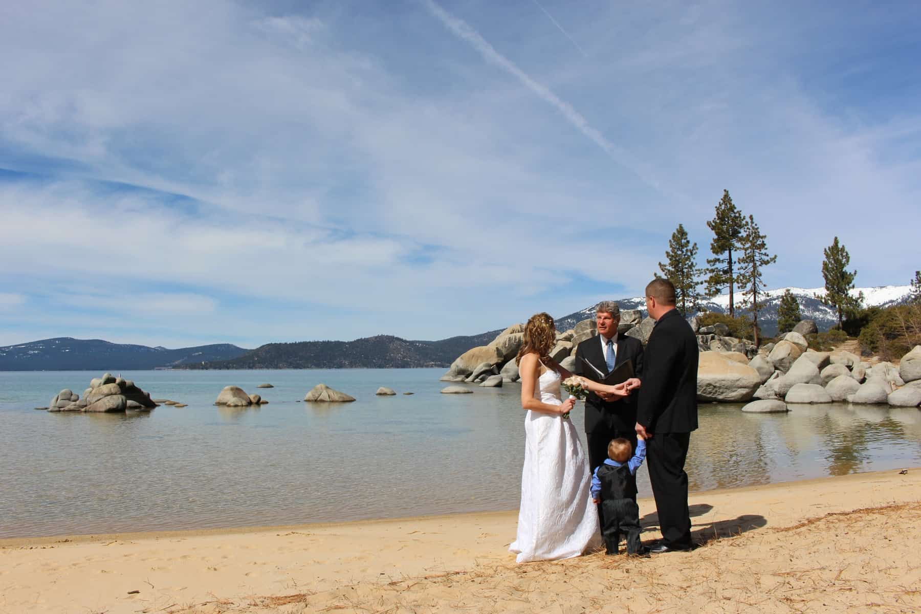 The Ultimate Guide to Planning an Elopement in the US