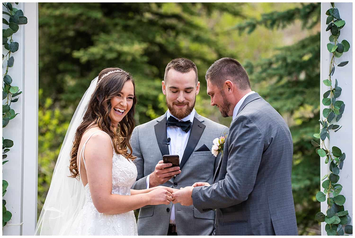 wedding photos at wedgewood mountain view ranch