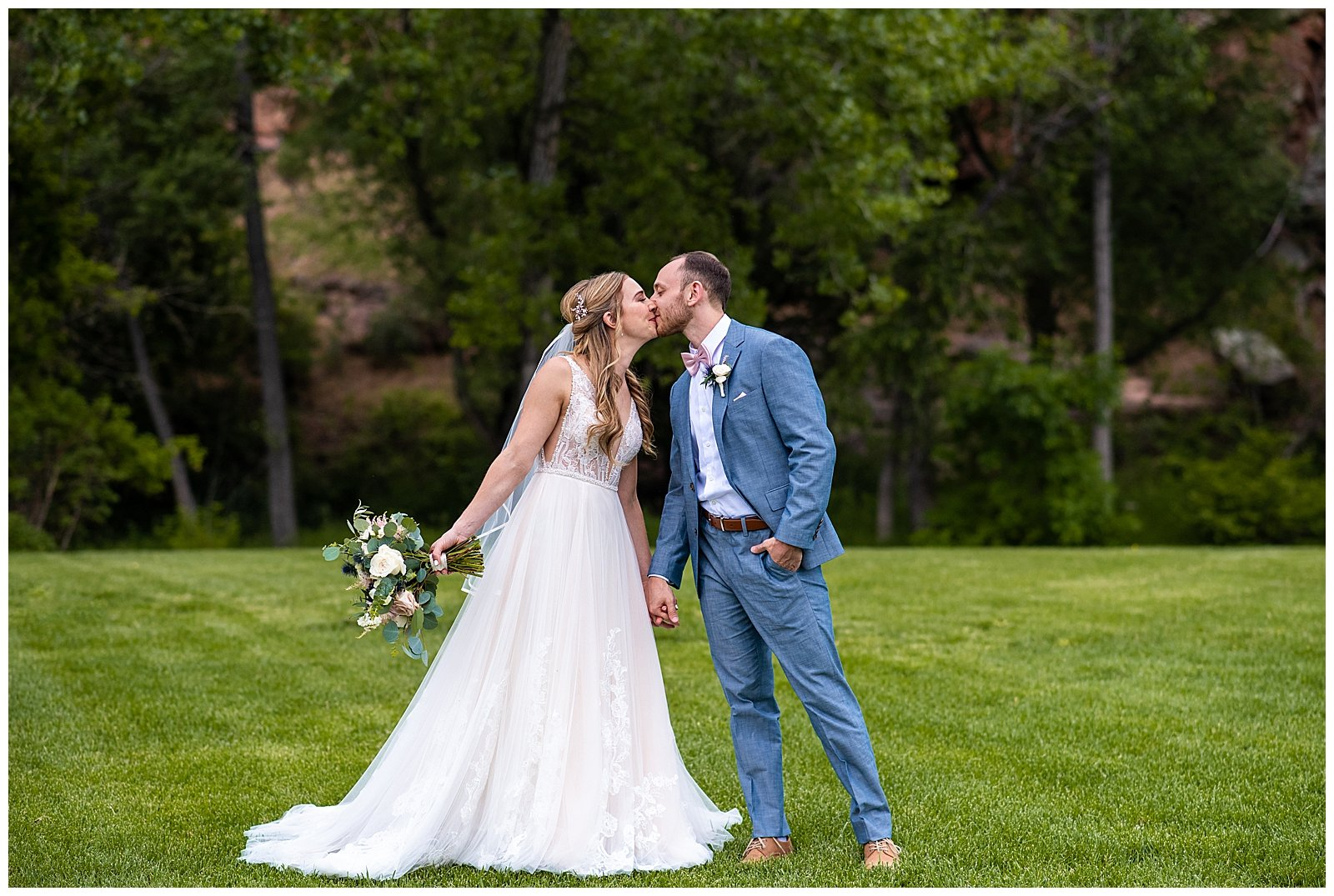 best wedding photos at planet bluegrass in lyons colorado