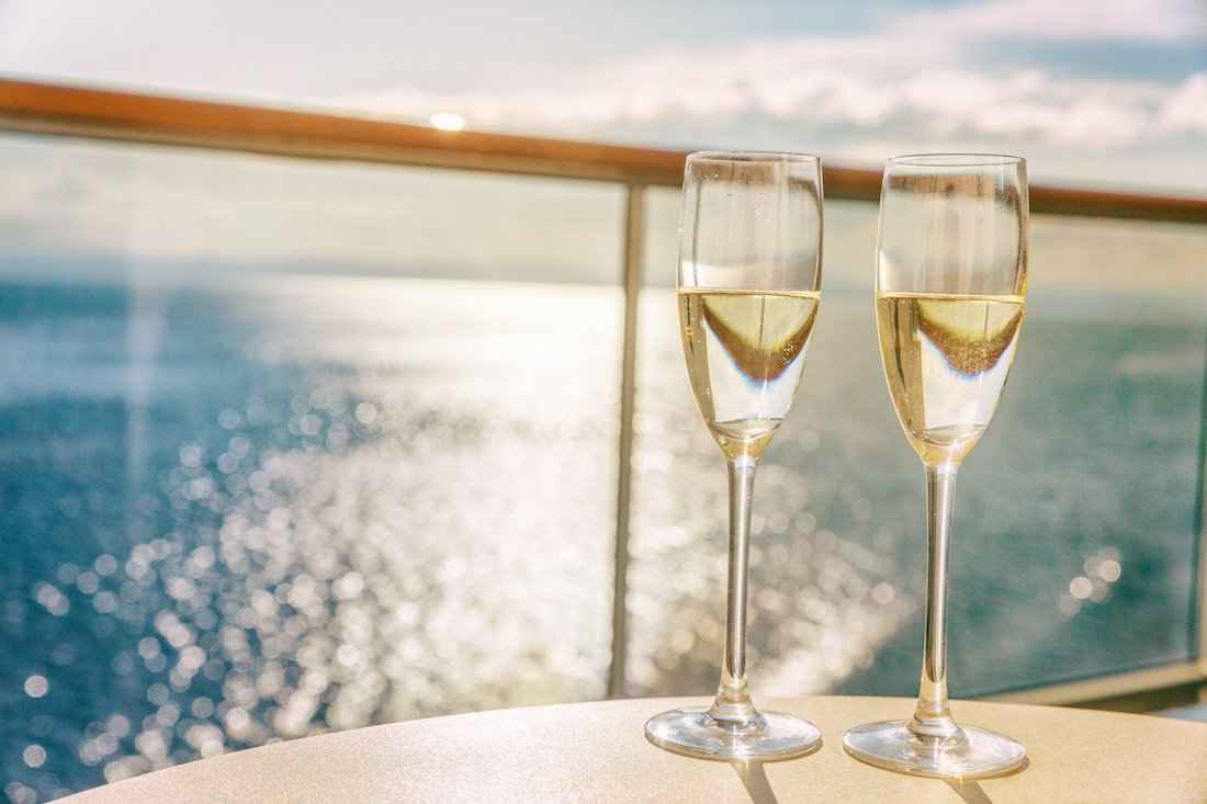 elope on a dinner cruise