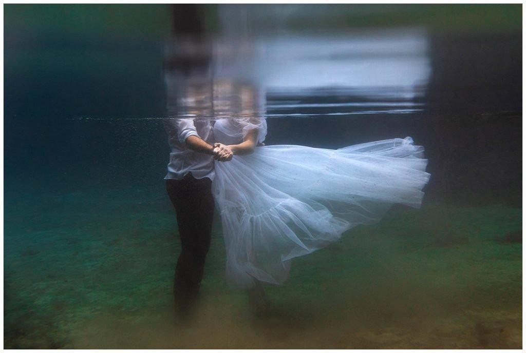 elopement photos underwater