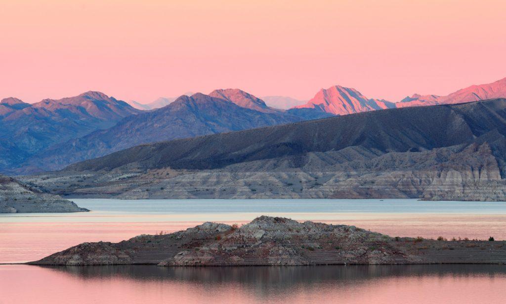 lake mead vegas elopement photographer